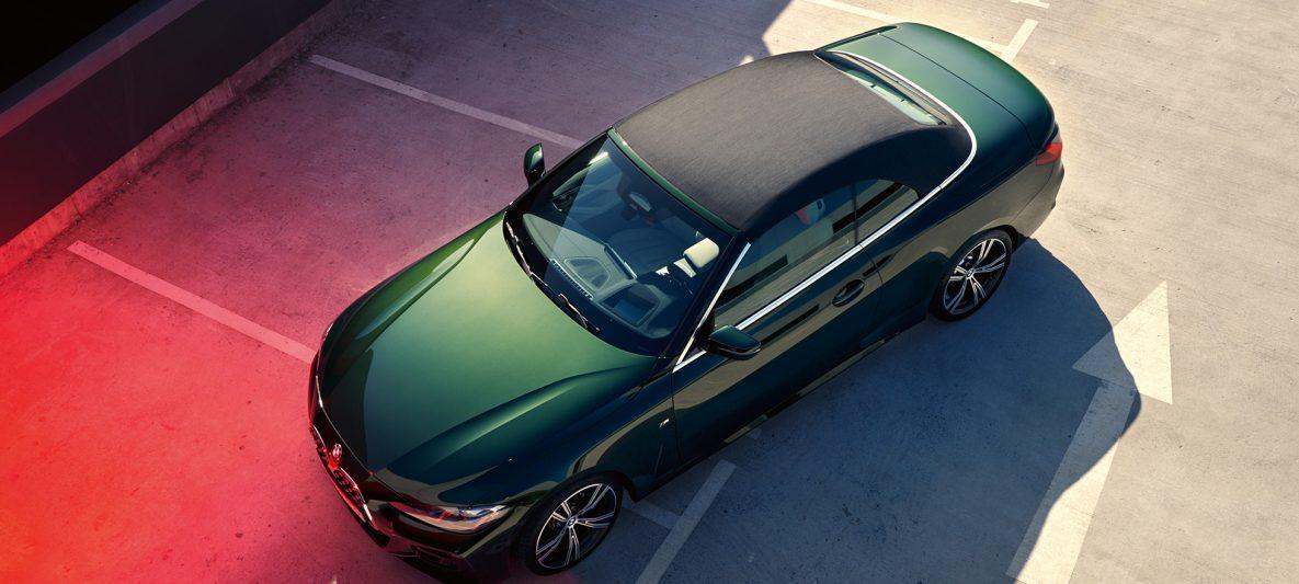 BMW 4er Cabrio G23 2020 Sanremo Green metallic Vogelperspektive Stoffverdeck