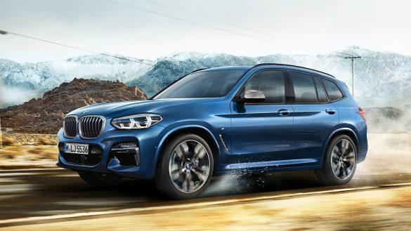 BMW X3 von links vorne