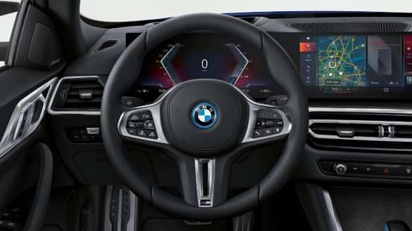 M Lederlenkrad BMW i4 M50 G26 2021 Innenraum Cockpit